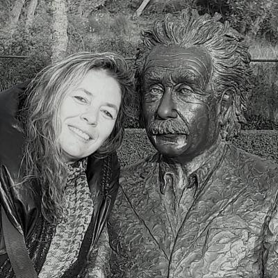 Ecrivain artiste peintre sculpteur contemporain belge sculpture albert einstein 1